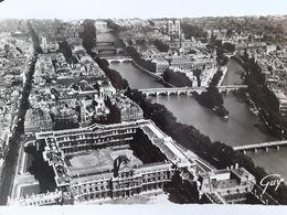 Carte Postale De Paris, Vue Aérienne , Le Louvre, île De La Cité, Notre-Dame, Pilote Monsieur Henrard, 12 Décembre 1953 - Frankrijk