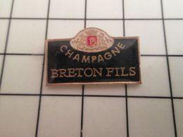 216a Pin's Pins / Beau Et Rare / THEME : BOISSONS /  ETIQUETTE DE CHAMPAGNE BRETON FILS - Beverages