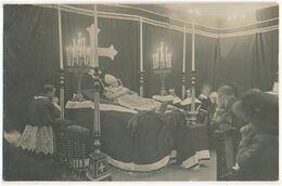 Carte-Photo - Chambre Funéraire - Religieux (évêque ?) Post Mortem (ca 1910) (BP) - Photos
