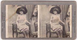 Photo Stéréoscopique : Pin-up - Prostituée En Tenue Frivole - Colorisée ( The New Americain - Universal View Cie ) - Stereoscoop