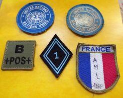 1° Hussard  Parachutiste , Drapeau France, Nations Unies , Groupe Sanguin, INSIGNE EN TISSU , ETAT VOIR PHOTO  . POUR TO - Ecussons Tissu