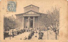 La Pacaudière           42           L'Eglise .  Un Cortège          (voir Scan) - La Pacaudiere
