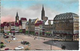 CPSM. 67 STRASBOURG. LA PLACE KLEBER. VOITURES, TRAM. - Strasbourg
