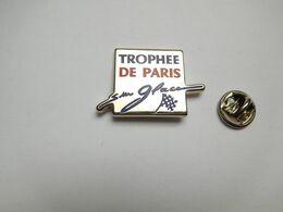 Beau Pin's En Zamac , Trophée De Paris Sur Glace , Patinage Artistique - Eiskunstlauf