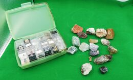 Lots De Mineraux Collection Minérale - 1.285 Kg - Minerali