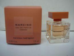 "NARCISO RODRIGUEZ : MINI "" NARCISO "" EDP AMBREE  7,5 ML NEUVE  LIRE ET VOIR ! - Miniaturen Flesjes Dame (met Doos)"