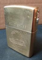 ZIPPO - U.S.S.  SARATOGA  CV - 60 - Solid Brass  - RT - 04 ( Neuf, Jamais Servi ) - Zippo
