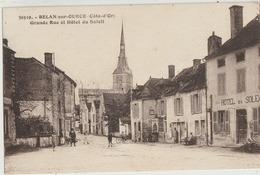 Belan-sur-Ource  21   La Grande Rue Bien Animée _ Epicerie Et L'Hotel Du Soleil - Autres Communes