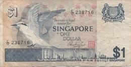 Singapour Singapore : 1 Dollar 1976-80 Mauvais état - Singapur