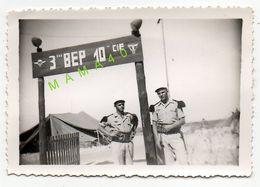 PHOTO - TUNISIE - ENTREE CAMP DU 3 ° REGIMENT ETRANGER DE PARACHUTISTES - BEP 10 CIE - LEGION ETRANGERE - LEGIONNAIRE - War, Military