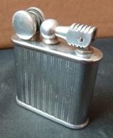 """Briquet à Essence - Ancien,  Marque  """" SCFLAM """" - Lighters"""