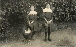 Machecoul * CPA * Famille FLEURY De La Commune * Fillettes Jumelles ? Poupée Doll Jeu Jouet * écrite Par La Famille - Machecoul