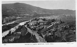 Village Et Garth Mountain , Taff's Well - Otros