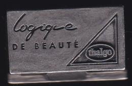 66153- Pin's .3D -Thalgo La Beauté Marine.Parfum.signé GBM Doré A L'or Fin. - Parfum