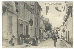 ISTRES - Les Grands Hotels  Et L' Avenue Des Martigues     (2273 ASO) - Istres