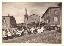 HENNECOURT   PROCESSION DEVANT L'EGLISE - Orte