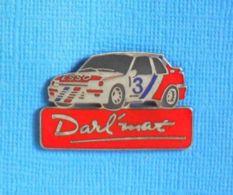 1 PIN'S //  ** DARL'MAT / PEUGEOT 309 GTI TURBO / 1988 ** . (Démons & Merveilles) - Peugeot