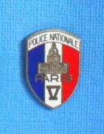 1 PIN'S //  ** POLICE NATIONALE / PARIS V ** . (Ballard) - Police