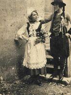 DUO De Femmes En Costume Folklorique Traditionnel Breton - Folklore De Bretagne - Coiffe Bretonne - PHOTO Originale - Anonyme Personen