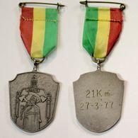 Médaille De Marche_156_Belgique, Wetteren, Wandeling, 1977, 21 Km - Bélgica