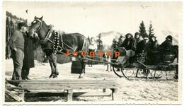 Old Photo Women On Snow Cart Horseback Rigi Switzerland Suiza - Persone Anonimi
