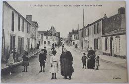 44 - Machecoul - Rue De La Gare Et Rue De La Poste - Machecoul