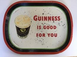 GUINNESSE BEER  IS GOOD FOR YOU PLATEAU MÉTALLIQUE ANNEE 50 Reginald Corfeld LTD   D 308 - Altre Collezioni
