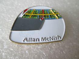 PIN'S    CASQUE  ALLAN  McNISH - F1