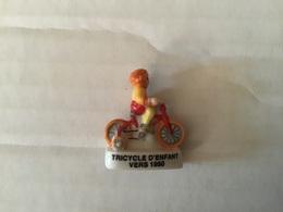 Fève Brillante Ancienne Série CYCLISME / Vélo / ÉVOLUTION DE LA BICYCLETTE  Tricycle D'enfant 1950 - Sport