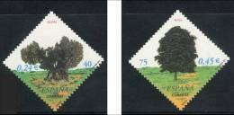 ESPAÑA 2001 - ARBOLES - Edifil Nº 3803-3804 - Yvert 3371-3372 - 1931-Heute: 2. Rep. - ... Juan Carlos I