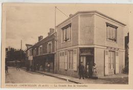 Presles-Courcelles  95   La Grande Rue De Courcelles Tres Animée _Café-Restaurant Et Epicerie - Presles