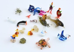 18 Db Színes üveg állatfigura, Némelyiken Kis Lepattanással, 1x3 és 7,5x4 Cm Közötti Méretekben - Verre & Cristal