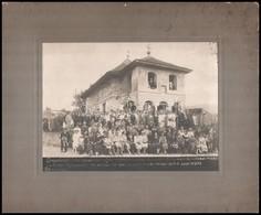 1926 Csoportkép Román Kolostor Előtt, Fotó Kartonlapra Ragasztva, 17x23 Cm - Other Collections