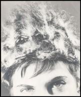 Cca 1960 Női Fej Sapkában, Művészfotó, Jobb Felső Sarka Meg Van Törve, 29x24 Cm - Other Collections