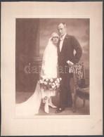Cca 1930 Esküvői Portré, Kartonra Ragasztott Fotó, Goszleth I. és Fia Budapesti Műhelyéből, Hátulján Feliratozott, 25,5x - Other Collections