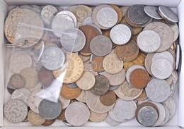 """600g Vegyes Magyar és Külföldi Fémpénz, Közte Hollandia 1941. 10c Ag """"I. Vilma"""" T:vegyes - Coins & Banknotes"""