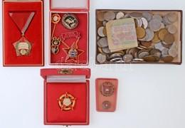 Vegyes Fémpénz ~430g Súlyban Közte 1db Bankjeggyel, Valamint 9db-os Kitüntetés és Jelvény Tétel T:vegyes - Coins & Banknotes