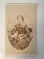 Cdv Ancienne Années 1800 Portrait  D'une Femme. Extmouth Australie - Ancianas (antes De 1900)