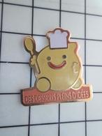 920 Pin's Pins / Beau Et Rare / THEME : ALIMENTATION / CHEF TOQUE DES DESSERTS PLEINS D'IDEES - Lebensmittel