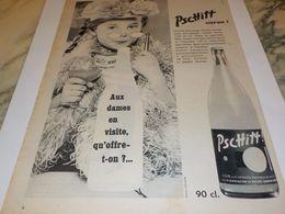 ANCIENNE PUBLICITE AUX DAMES EN VISITE SODA  LIMONADE PSCHITT  1957 - Affiches