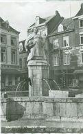 Maastricht; 't Mooswief Op De Markt - Niet Gelopen. (V.V.V. - Maastricht) - Maastricht