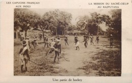 Inde - Les Capucins Français Aux Indes - Une Partie De Hockey - India