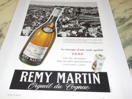 ANCIENNE PUBLICITE COGNAC REMY MARTIN 1956 - Alcohols