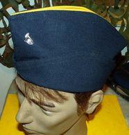 CALOT DE CHASSEUR ALPIN AVEC PETIT INSIGNE , TAILLE 53 , ETAT  VOIR PHOTO . POUR TOUT RENSEIGNEMENT ME CONTACTER. REGARD - Headpieces, Headdresses
