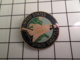 1218c Pin's Pins / Beau Et Rare / THEME : ESPACE / NAVETTE SPATIALE NASA SPACE SHUTTLE - Space