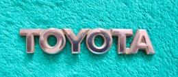 MONOGRAMME / LOGO TOYOTA - Voitures