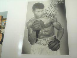 Photo Boxe Signé Par , LEONARD TAVAREZ , Champion De France   , Authographe Dédicassée Signature - Photography