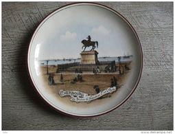 Assiette Ancienne Faiencerie Lille Cherbourg La Rade Statue Napoléon 1er Histoire - Ceramica & Terraglie