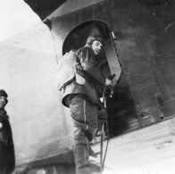 Aviateur - Mitrailleur Prenant Place- Repro SHAA - Aviation
