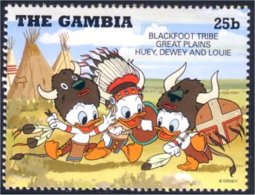 404 Gambia Disney Children Playing Indians MNH ** Neuf SC (GAM-21b) - Indiens D'Amérique